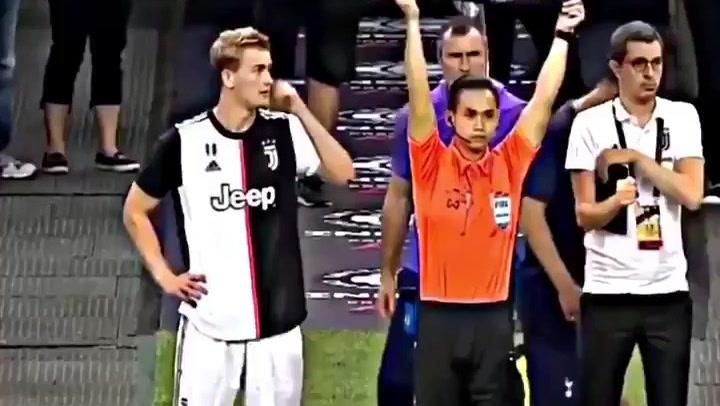 De Ligt debuta con la Juventus