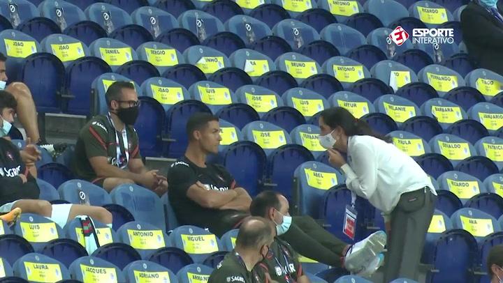 Cristiano, protagonista sin jugar: le 'regañaron' por no usar la mascarilla