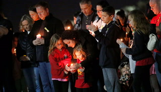 North Las Vegas school holds vigil for 2 children hit by pickup – VIDEO
