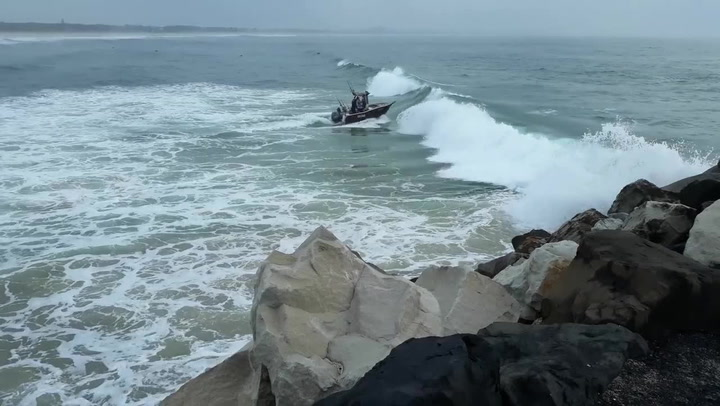 Boat Tries To Sail Into Choppy Ocean, Things Do Not Go Well