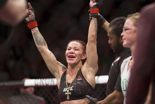 Cyborg not against challenging Nunes if the UFC makes the fight