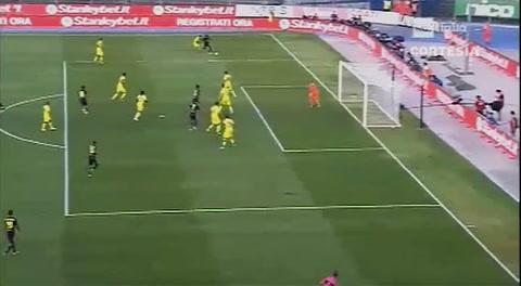 Cristiano dejó inconsciente al portero del Chievo tras un choque y el VAR anuló el gol