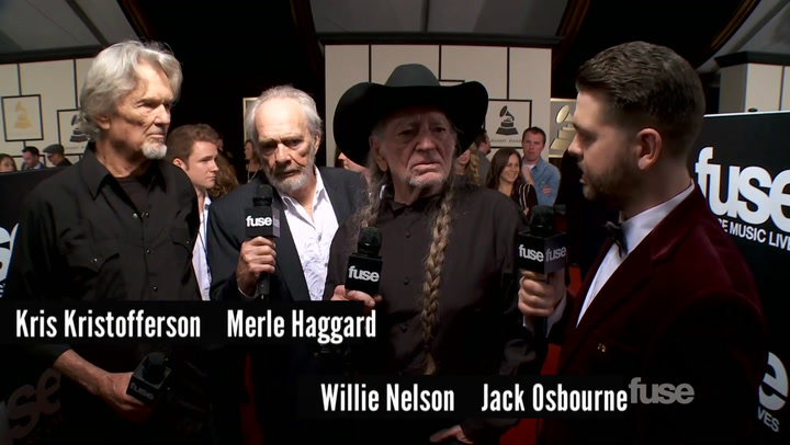 """Willie Nelson on His """"Happy"""" Bus On GRAMMYs Red Carpet"""