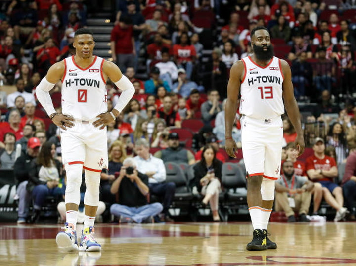 Buzzer-beating 3-pointers are a trend for Rockets' opponents