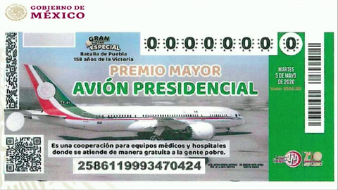 AMLO insiste en rifa de avión presidencial de México y presenta boleto