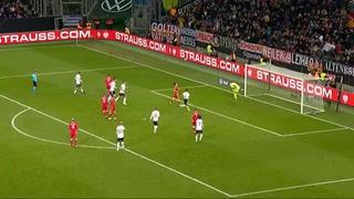 ¡Tapadón! Manuel Neuer y su espectacular atajada en el Alemania vs Bielorrusia