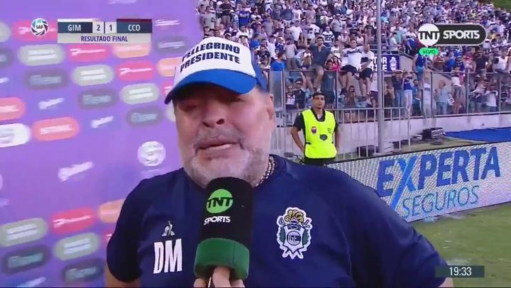 Maradona, emocionado tras lograr la primera victoria con Gimnasia