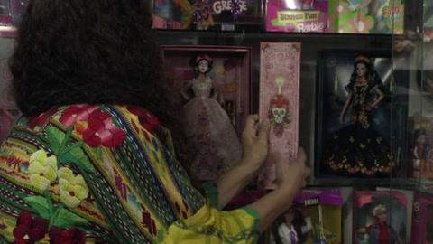 Barbie Día de Muertos, entre la exaltación cultural y la explotación monetaria