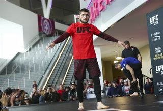Nurmagomedov: If you don't believe in yourself, someone's going to knock you out