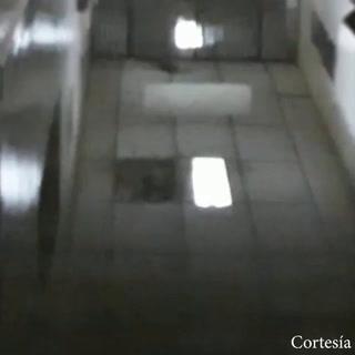 Lluvia inunda sala de labor y parto del hospital Roberto Suazo Córdova de La Paz