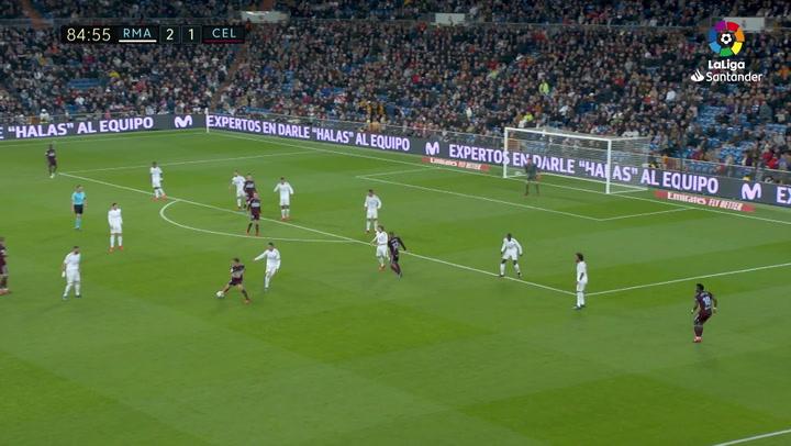 Gol de Santi Mina (2-2) en el Real Madrid 2-2 Celta