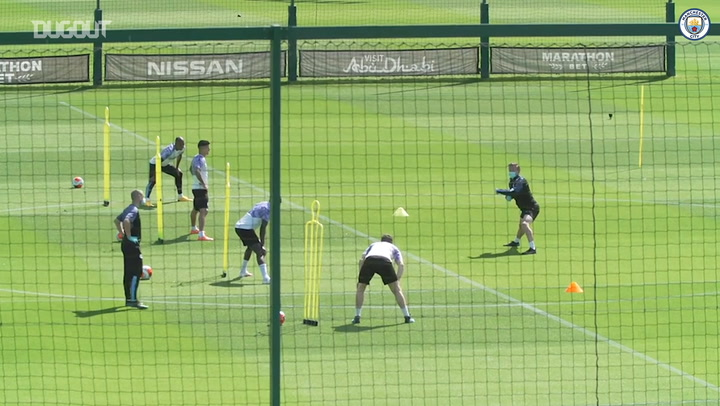 Guardiola oversees Man City training preparations