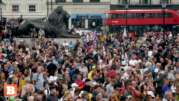 """""""I Thought We Won the War"""" — Thousands Protest Against """"Fascist"""" Vaccine Passports in London"""