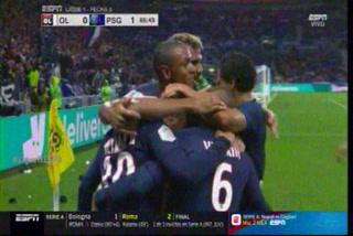 Neymar vuelve a salvar al PSG en los minutos finales contra el Lyon en la Ligue 1