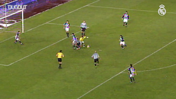 Zinedine Zidane scores against Real Sociedad