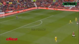 Cavani marca por primera vez ante sus hinchas, pero no evita empate del Manchester United