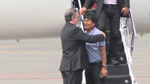 Evo Morales llega a México y senadora asume sin quórum presidencia interina de Bolivia