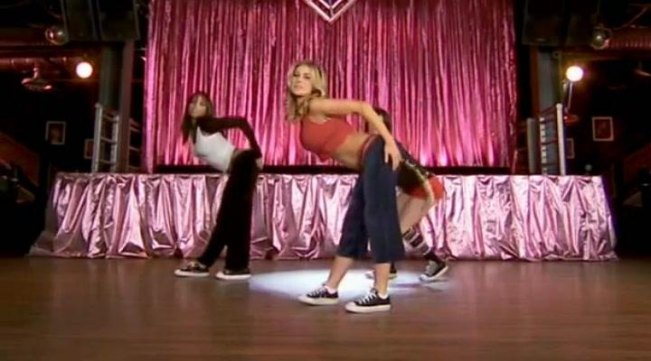 Carmen Electra y su academia de aerobic para stripteases