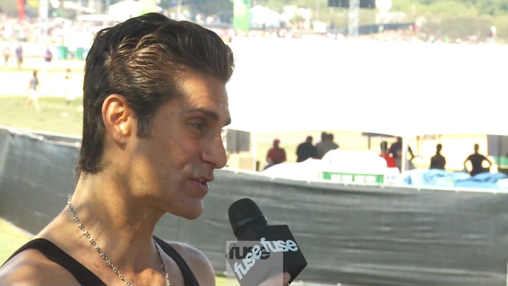 Festivals: Lollapalooza: Perry Farrell Interview On Site