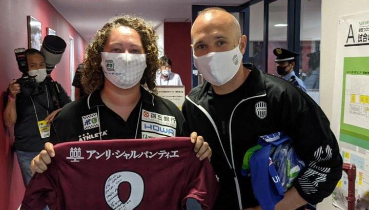 El emotivo mensaje de Iniesta a la entrenadora Mila Martínez