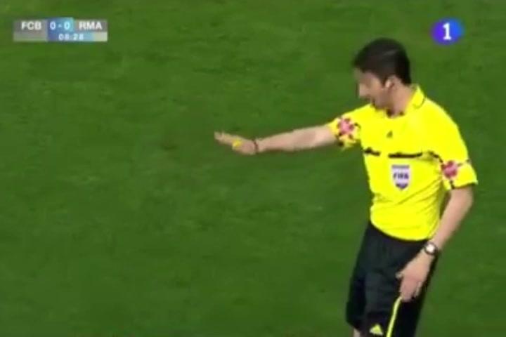 Polémico arbitraje de Undiano en la final de Copa del Rey 2011 FC Barcelona-Real Madrid
