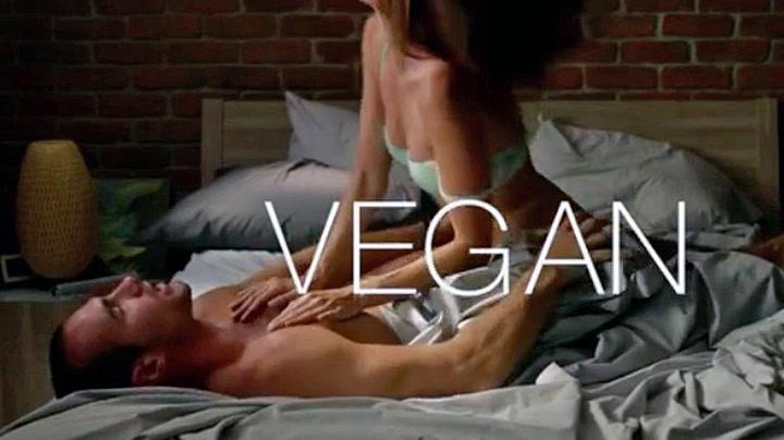 Frekk dyrevern-kampanje: – Veganere holder lenger i senga
