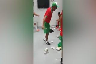 El festejo de Marathón en el camerino tras ganar el clásico a Real España