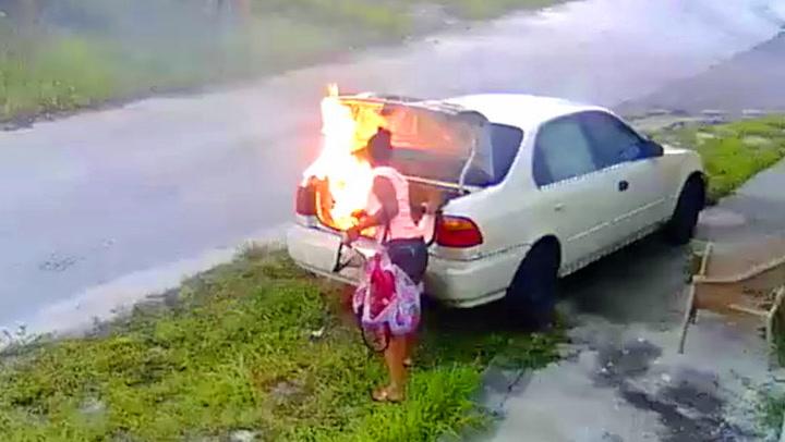 Her setter hun fyr på feil bil