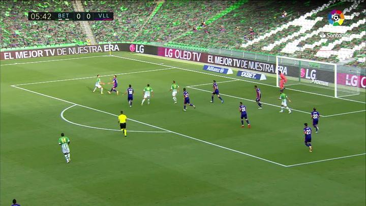 Gol de Fekir (p.) (1-0) en el Betis 2-0 Valladolid