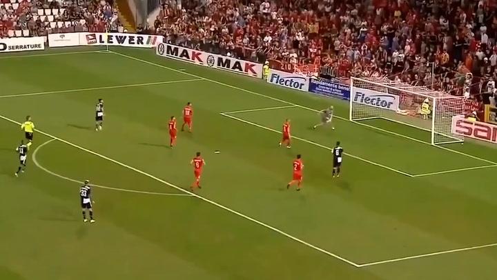 Impresionante gol de Dybala en un amistoso contra el Trieste