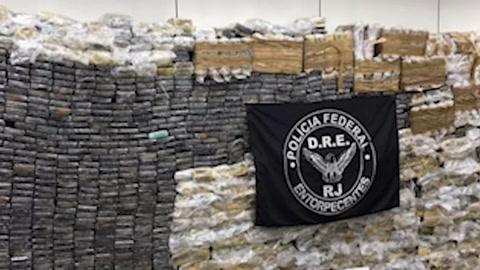 Confiscan en suburbio de Rio de Janeiro cantidad récord de cocaína: 2,5 toneladas
