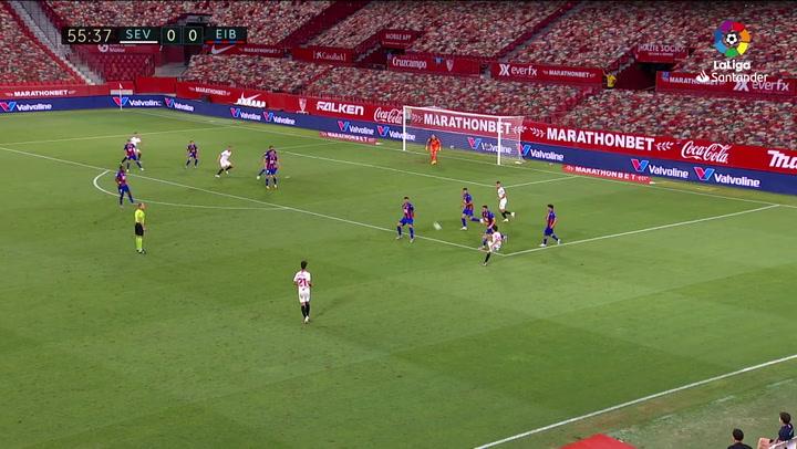 Gol de Ocampos (1-0) en el Sevilla 1-0 Eibar