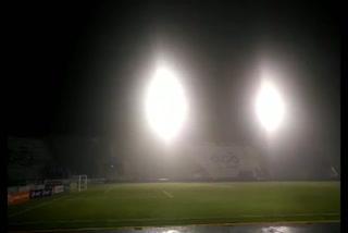 Una fuerte lluvia en el estadio Nacional previo al partido Motagua-Vida