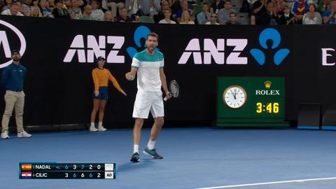 Nadal abandonó en el quinto set ante Cilic en Australia