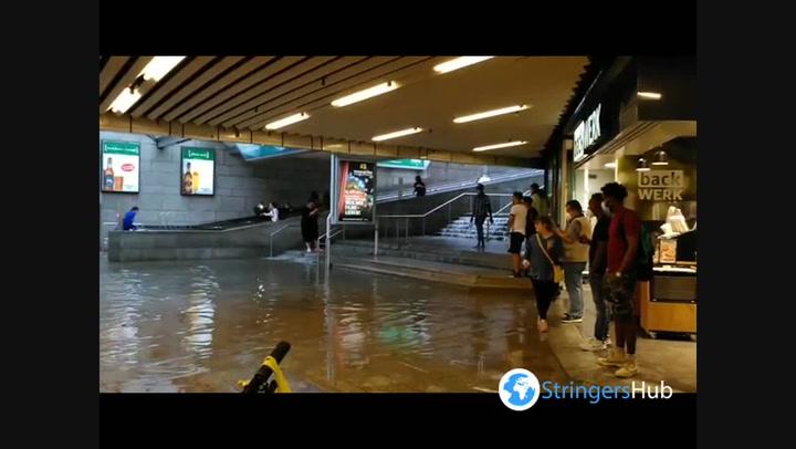 Flooding hits Stuttgart shopping centre