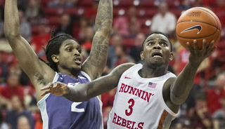 UNLV basketball suffers first loss of the season – Game Highlights