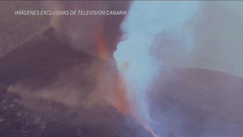 Volcán de Canarias sigue arrojando lava y ceniza