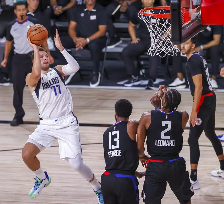 Luka Doncic consiguió 38 puntos contra los LA Clippers