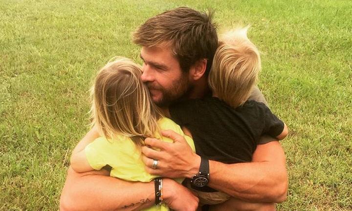 El divertido vídeo de los hijos de Chris Hemsworth y Elsa Pataky que termina ¡con sorpresa!