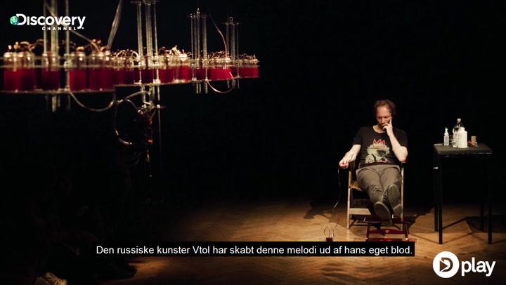 Galt eller genialt? Russisk kunstner skaber blodig kunst