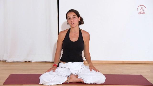 Yoga gegen Menstruationsbeschwerden
