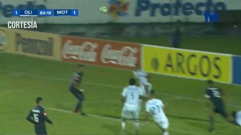 Rony Martínez anota el empate 1-1 ante Motagua en el Nacional