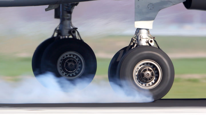 Why plane tires don't explode during landing