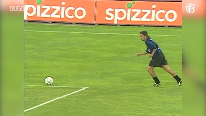 عودة بالذاكرة: روبيرتو باجيو يقود إنتر ميلان للتأهل لدوري الأبطال