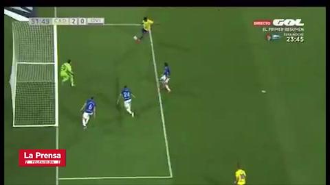 'Choco' Lozano marca un doblete con el Cádiz ante Oviedo