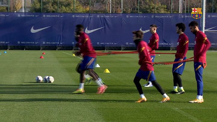 Dembélé, protagonista del entrenamiento del Barça