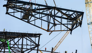 Raiders stadium canopy truss install time-lapse