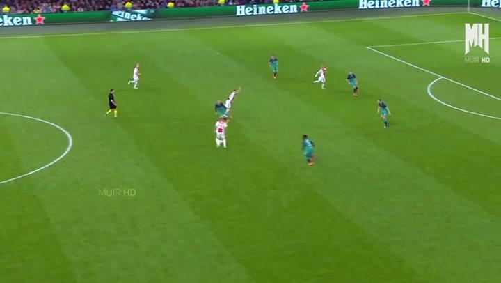 Así juega Hakim Ziyech (Ajax)