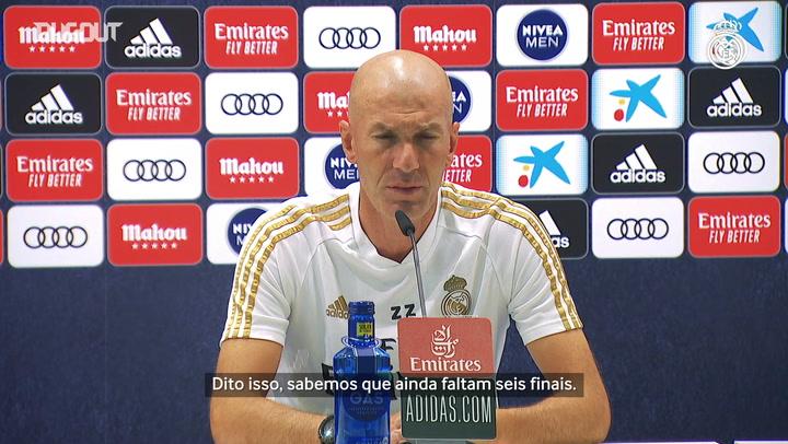 """Zidane quer que Real esqueça tabela: """"faltam seis jogos"""""""