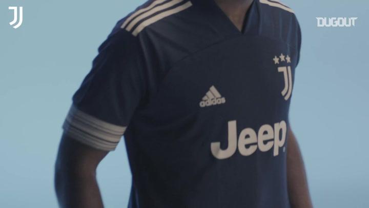 La Juventus presenta il kit away per la stagione 2020/2021